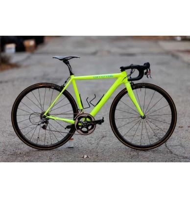 Complete fluorescent paint kit for bikes